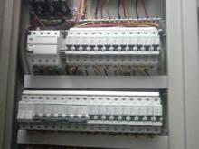 کارآموز و همکار آشنا به برق ساختمان در شیپور