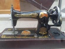 چرخ خیاطی سنتی سالم و تمیز در شیپور