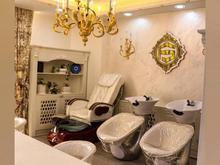 اموزشگاه مراقبت و زیبایی فیروزه صابونی نیازمند نیرو با مشتری در شیپور