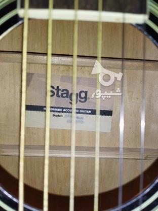 گیتار اکوستیک استگ همراه با پایه گیتار در گروه خرید و فروش ورزش فرهنگ فراغت در البرز در شیپور-عکس2