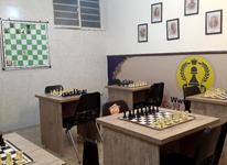 مربی شطرنج مسلط در کار  در شیپور-عکس کوچک