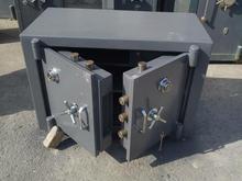 گاوصندوق زیرویترینی جفت رمز در شیپور