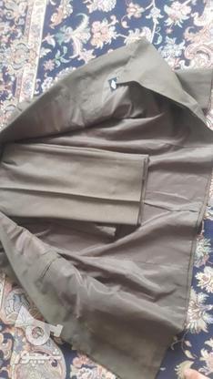 مارک کت شلوار  زر پوشان رنگ زیتونی بسیار شیک در گروه خرید و فروش لوازم شخصی در البرز در شیپور-عکس1