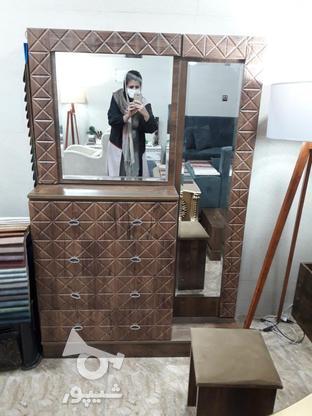 سرویس خواب وکیوم به همراه 4 کشو در کنار تخت و آینه قدی در گروه خرید و فروش لوازم خانگی در گیلان در شیپور-عکس1