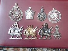 مجموعه ایی زیبا از 8 مدال ونشان طرح قدیم  در شیپور