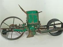 بذر کار مکانیکی موزه ای آمریکاییPLANET.JR در شیپور
