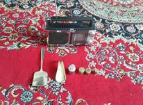 رادیو واشیای قدیمی. در شیپور-عکس کوچک