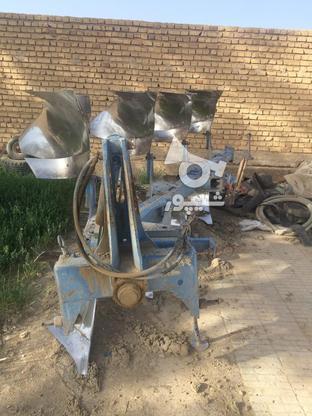تراکتور والترا8400 و ادوات در گروه خرید و فروش وسایل نقلیه در فارس در شیپور-عکس3