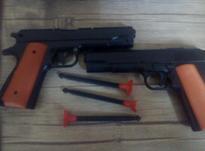 دوعدد تفنگ اسباب بازی در شیپور-عکس کوچک
