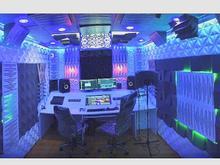 آهنگسازی/ترانه/تنظیم/میکس/استودیو در شیپور
