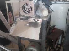 چرخ گوشت صنعتی و سیخ کوبیده و باکس پیک موتوری در شیپور