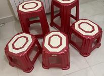 تعدادی صندلی پلاستیکی در شیپور-عکس کوچک