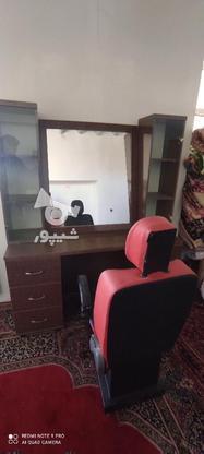 ویترین و آینه و صندلی آرایشگاه درحد نو در گروه خرید و فروش صنعتی، اداری و تجاری در همدان در شیپور-عکس1