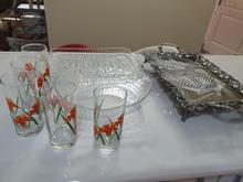 تعدادی ظرف و سینی در شیپور