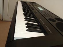 پیانو دیجیتال(کیبورد) کاسیو CTK-6000 در حد نو با پایه و کیف در شیپور