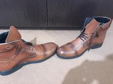 کفش قهوه ای رنگ بدون استفاده در شیپور