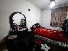 تخت دونفره و میز آرایش تمیز در حد نو در شیپور