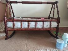 گهواره چوبی نوزاد در شیپور