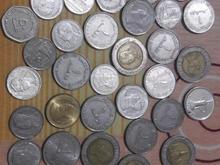 تعدادی سکه های قدیمی و خارجی در شیپور