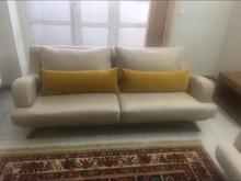 یک کاناپه تک 4 نفره به همراه 4 بالشت در شیپور