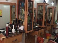 4تا میز کار اینه و ویترین ارایشگاه مردانه در شیپور