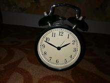 ساعت زنگ دار قدیمی در شیپور