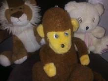 تعدادی عروسک در حد در شیپور