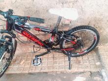 یک دوچرخه تر تمیز تنه الومنیوم در شیپور